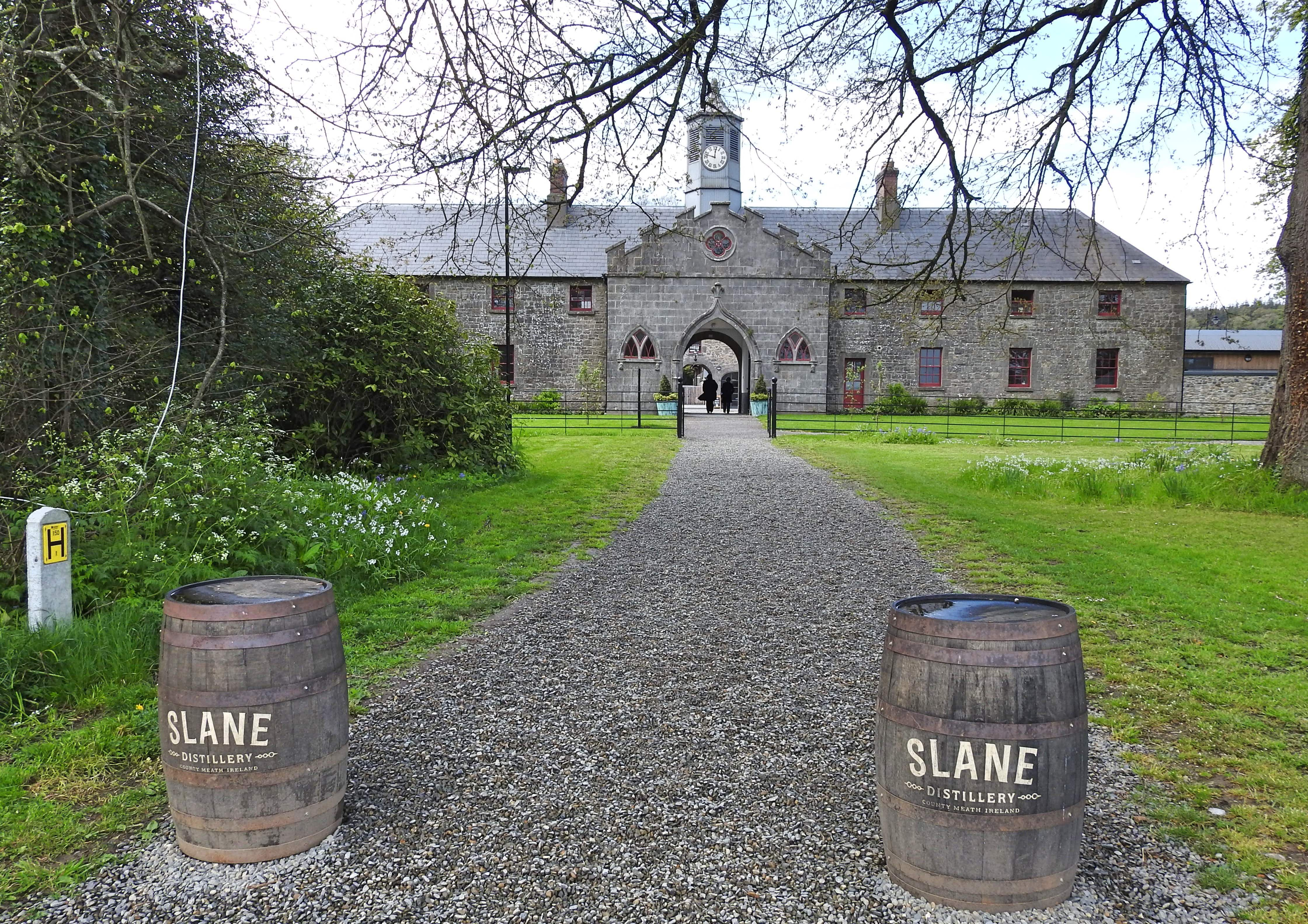 Enjoy a nip of whiskey or two on Slane Castle grounds © Derick Hudson / Getty Images