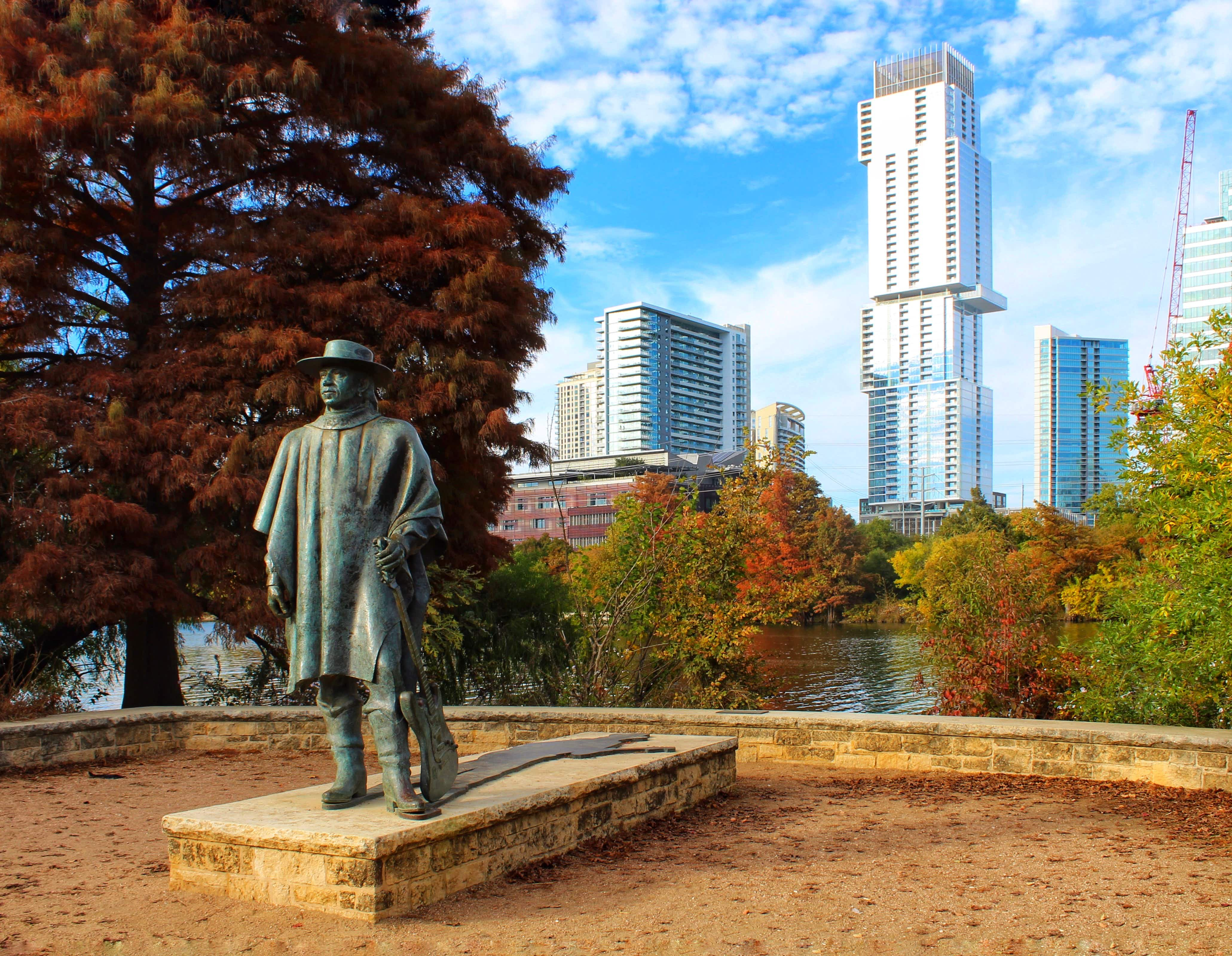 Austin is known for its love of musicians and has paid tribute to one of Texas' finest, Stevie Ray Vaughan, with a statue ©Hannah J. Phillips / Lonely Planet