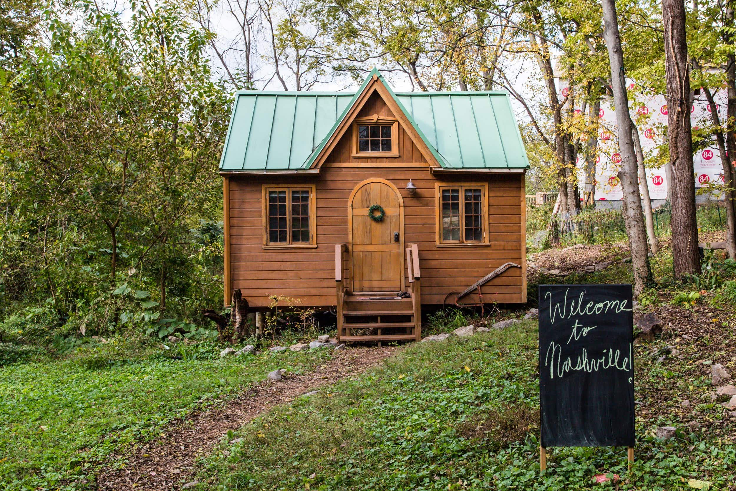 This tiny house is located in the middle of Nashville's design district ©Airbnb