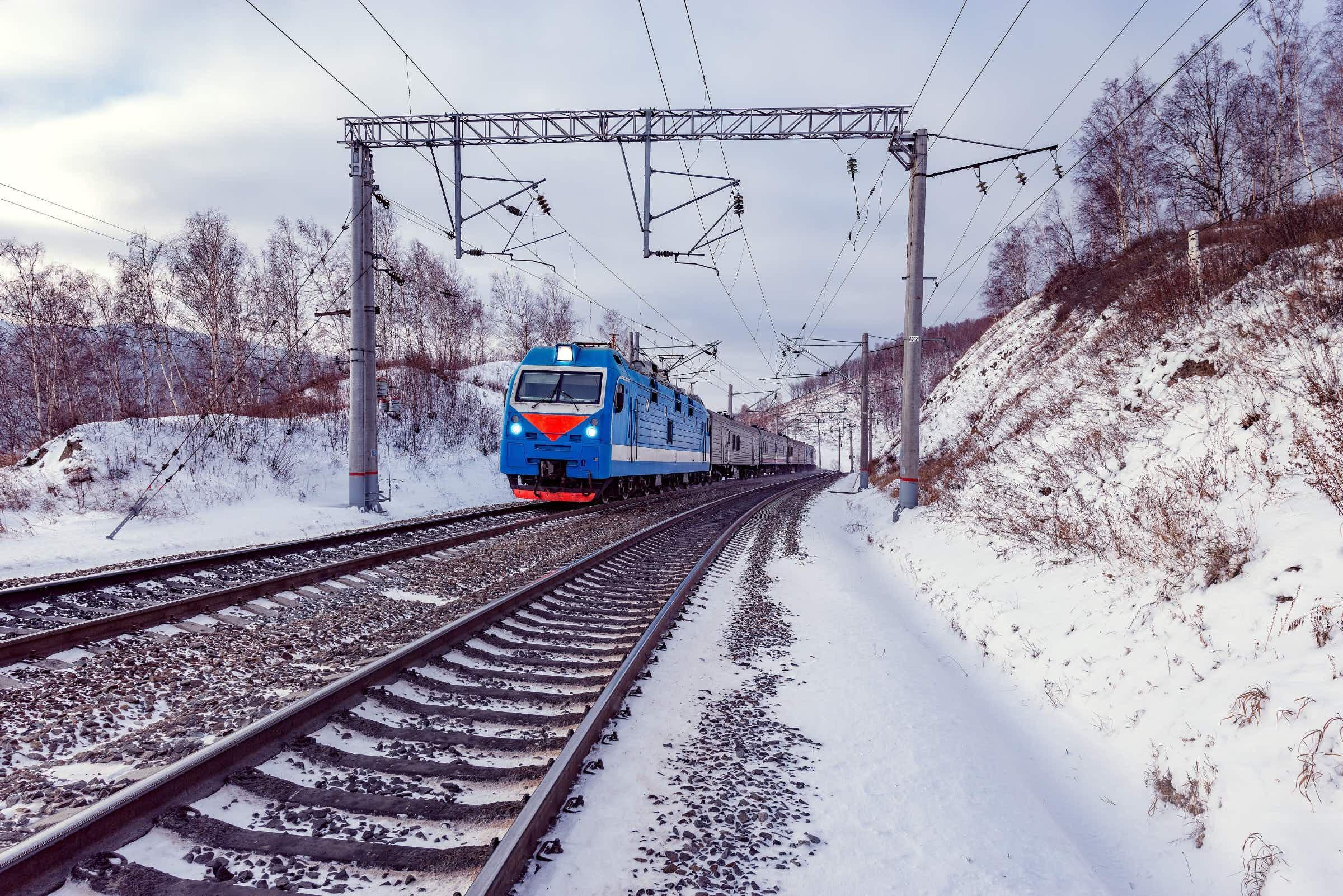 The Trans-Siberian train near Lake Baikal © Serjio74 / Shutterstock
