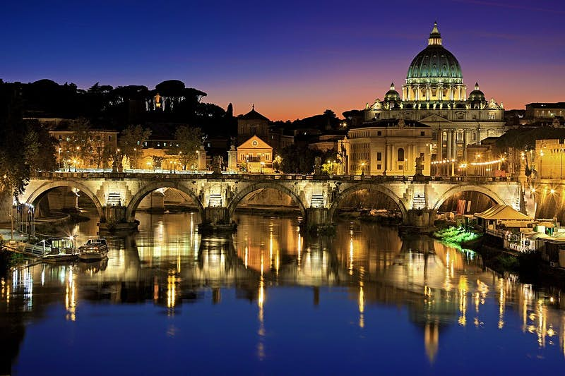 Brand new night tour lets you explore Vatican City under the stars
