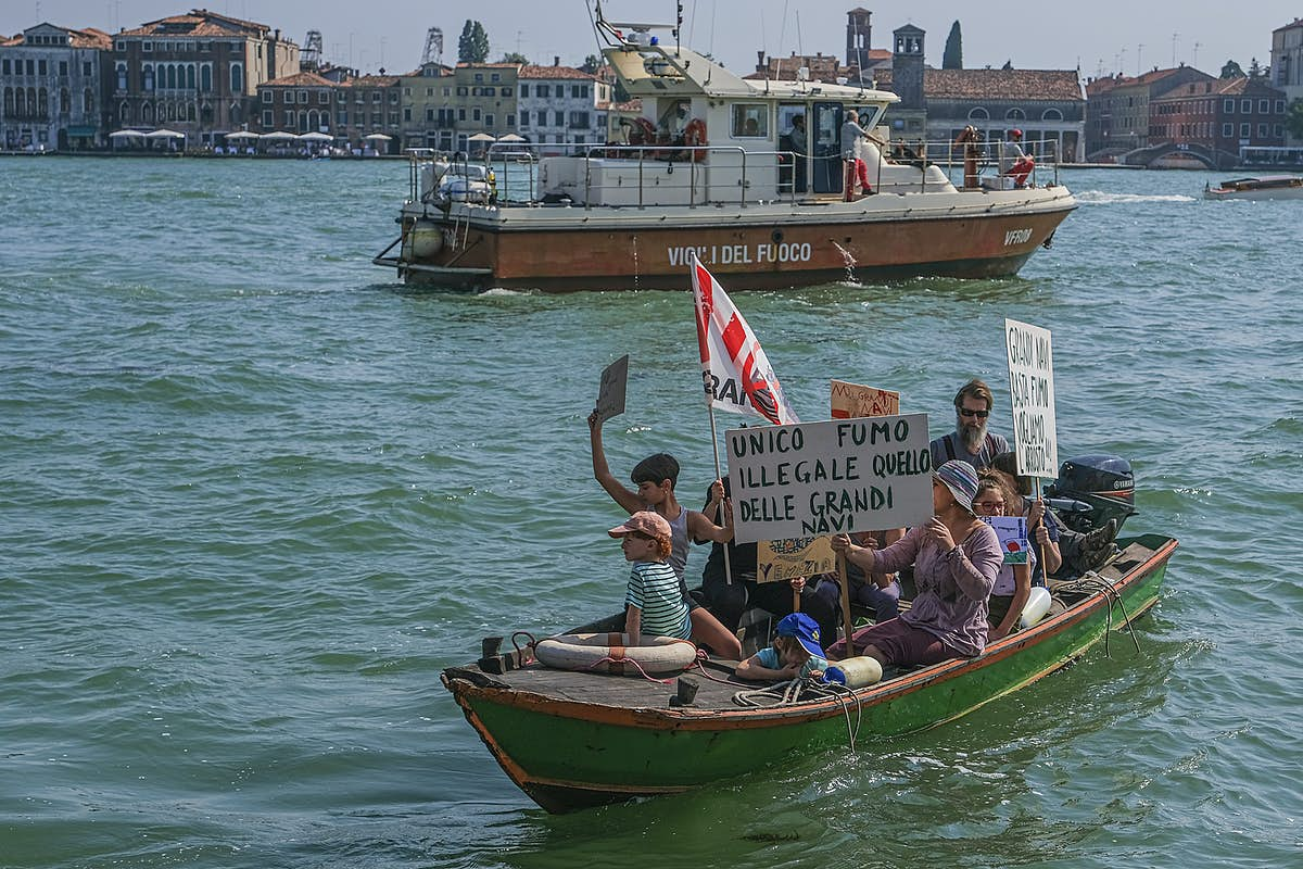 Venice protesters take to the water again