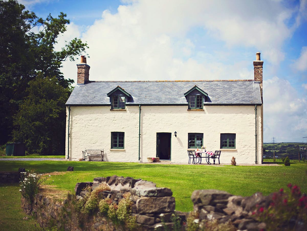 Have a great idea for a novel? You could win a dream getaway in the British countryside