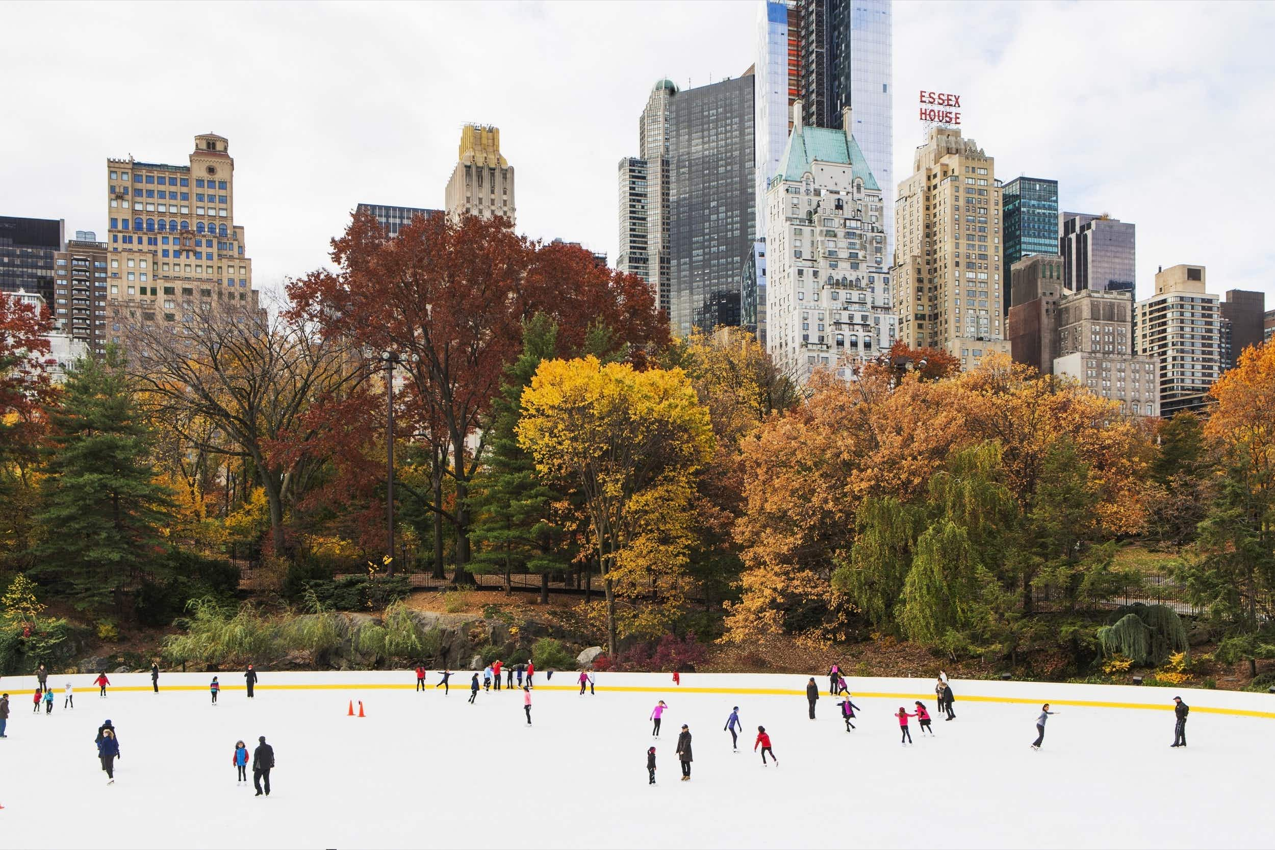 Winter is one of the best times to visit New York City for festivals, food and fun © mwillems / Getty Images
