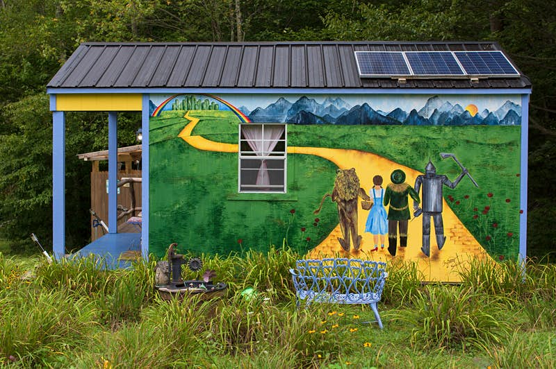 Follow the Yellow Brick Road to this cabin in North Carolina