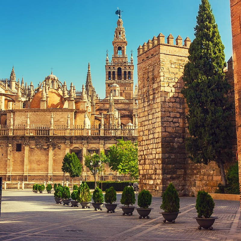 Does your outfit comply with Seville Cathedral's new strict dress code?