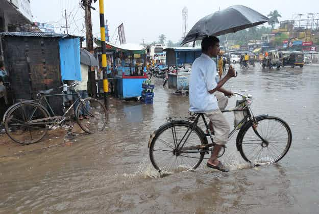 Emergency measures in place as India braces for cyclone Hudhud