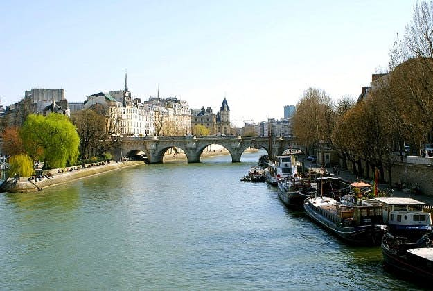 river dating paris besplatno povezivanje Indija