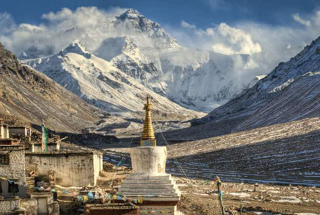 Tibet received a record number of visitors in 2014
