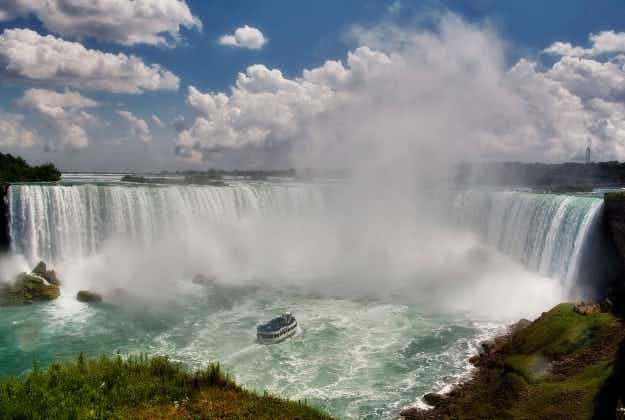 A 12-minute plane journey between Toronto and Niagara Falls launches next month