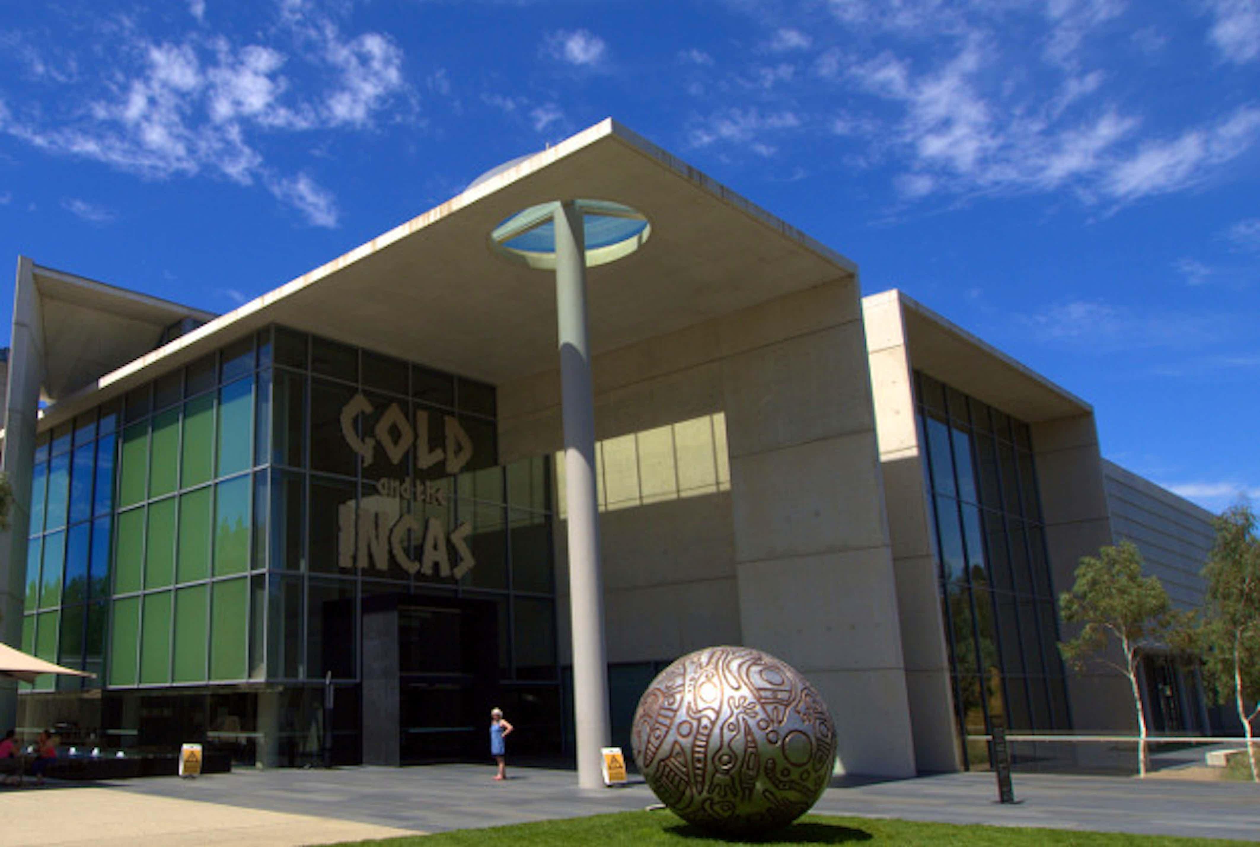 Australian Art Museum Offers First-Ever Nude Tours