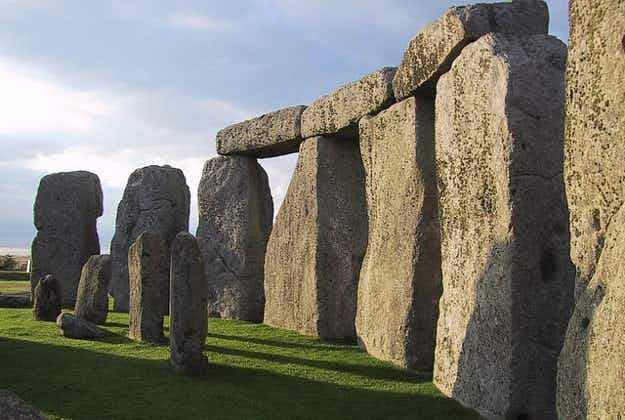 Stonehenge circle built in Wales say archaeologists
