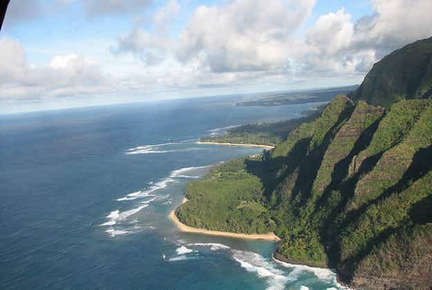 Hiker airlifted out of popular Kaua'i trail