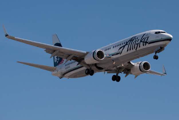 Alaska Airlines plane kills deer at Sonoma airport