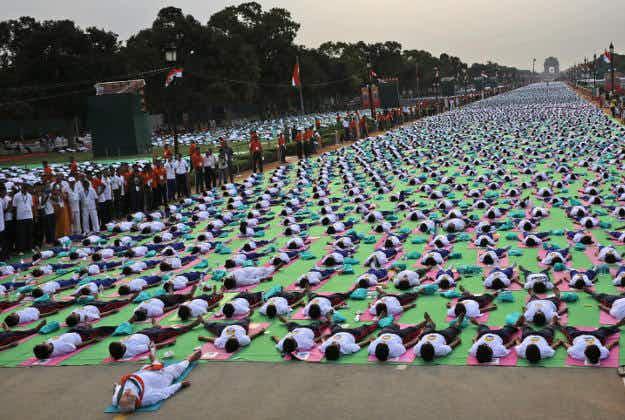 Largest ever gathering of yogis in Dubai celebrate International Yoga Day