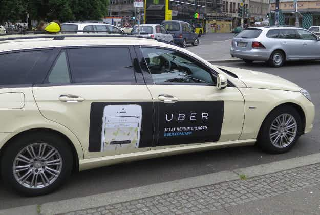 Uber plans app that can turn commuters into taxidrivers