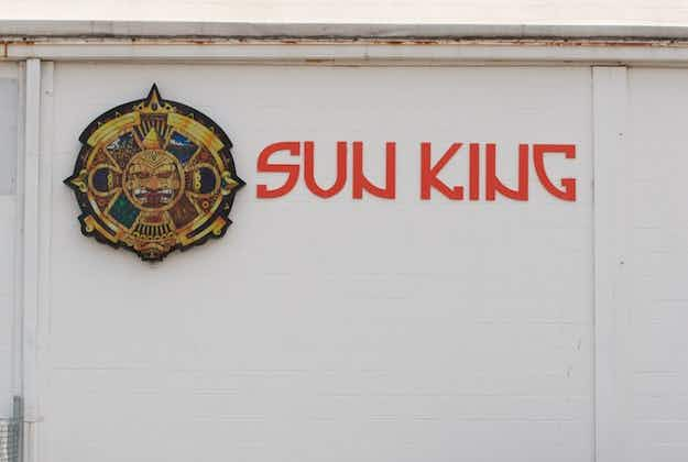 Why 20,000 Sun King beer cans are labeled 'Tom Brady Sux'
