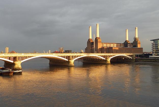 Sir Ian McKellen to host London bus tours for Shakespeare festival
