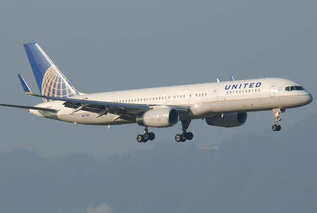 United Airlines reconfigures planes to seat ten abreast on domestic routes