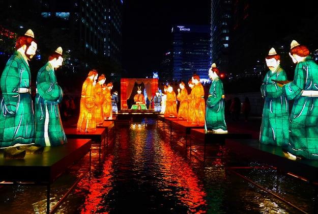 Cheong Gye Cheon Stream Glitters For Seoul Lantern Festival Lonely Planet