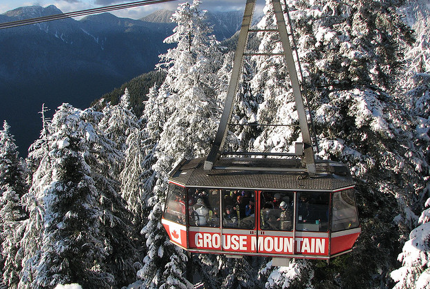 Skiers trapped by high winds on Vancouver mountain lodge