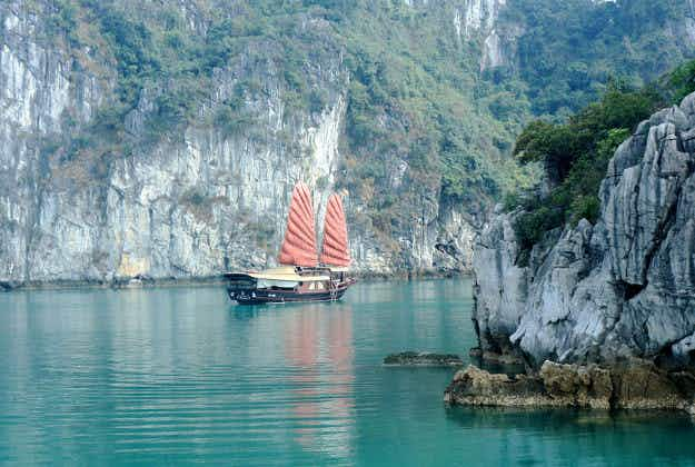 New cave systems revealed near Halong Bay