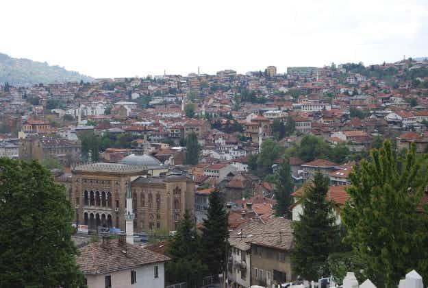 Bosnian artists bring back ancient script