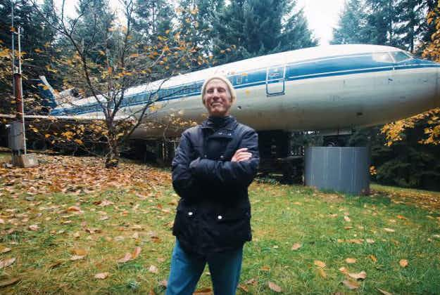 Oregon man makes old Boeing into unique home