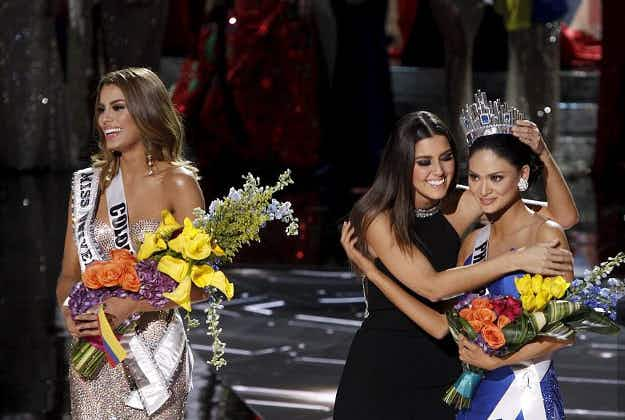 Drama at Miss Universe as wrong contestant crowned in Vegas