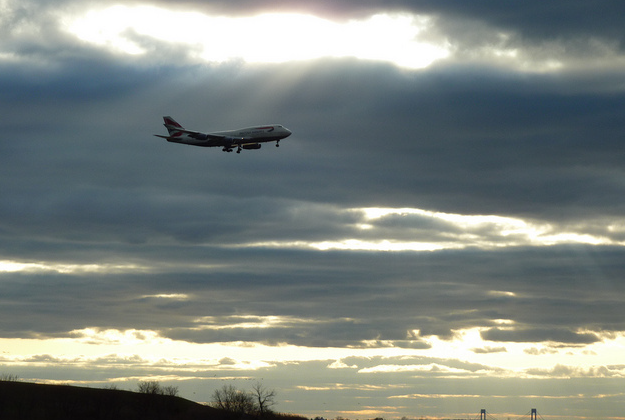 Airline industry backs plan  to reduce greenhouse gases
