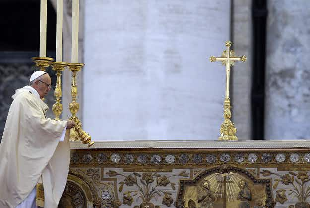 Fake blessings: Italian police seize counterfeit papal benedictions