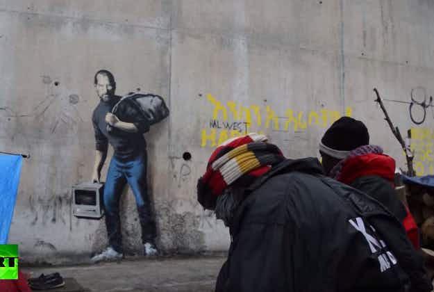 Banksy depicts Steve Jobs as fleeing refugee in Calais mural
