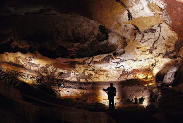 French artists recreate 'Sistine Chapel of prehistoric art'