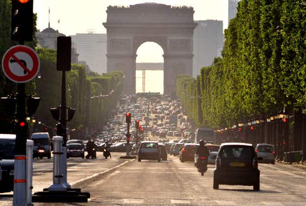 Champs-Elysees to go car-free once a month