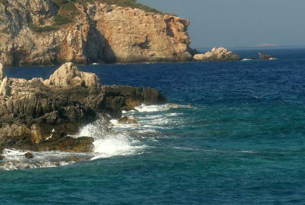 Uninhabited Aegean island to host survival holiday adventure