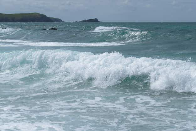 Teenager surfs 'house-sized' wave in Cornwall