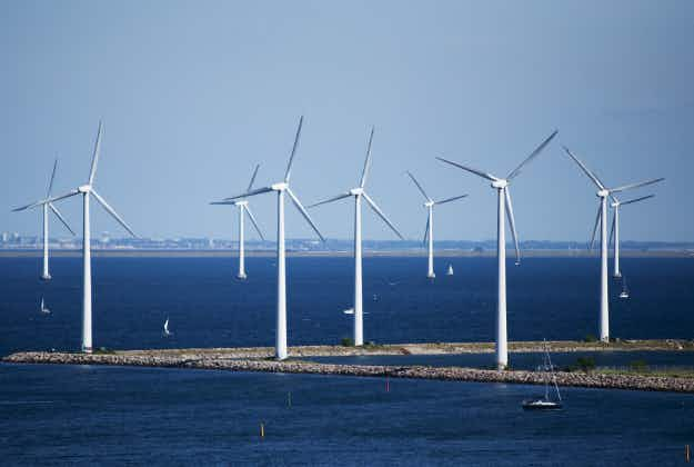 Placing wind farms further out at sea balances impact on tourism says new survey
