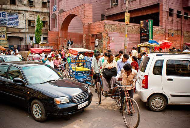 Delhi seeks early end to car ban experiment