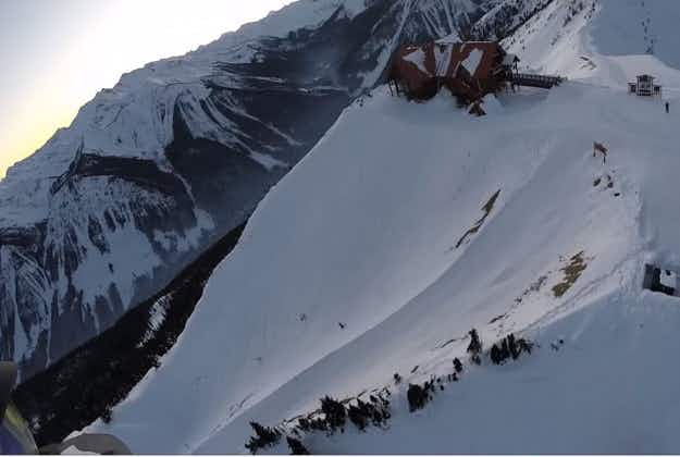 Snowboarder rescued by helicopter after lift fails