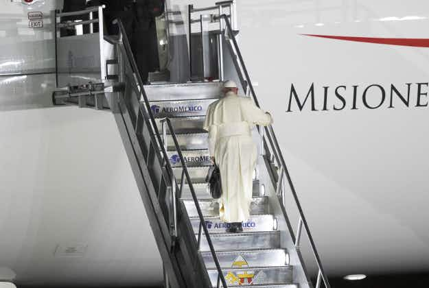 Pope's plane struck by laser beam over Mexico