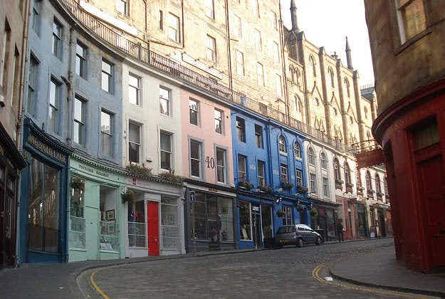 Edinburgh's alleys to become art installations