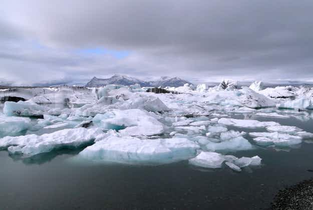 Tourists saved from drifting iceberg in Iceland