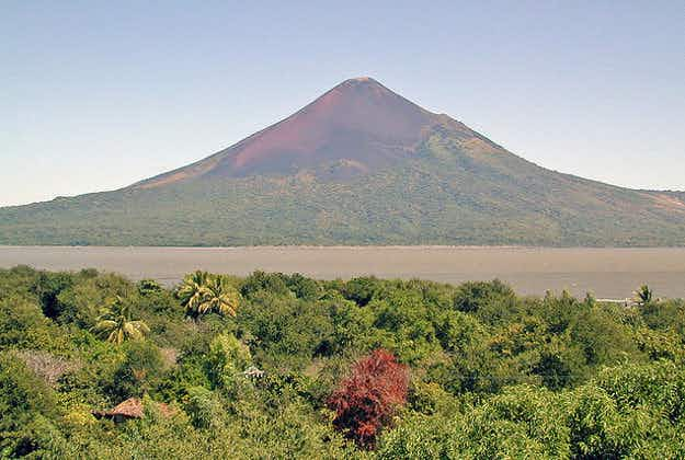 Momotombo continues to erupt in Nicaragua