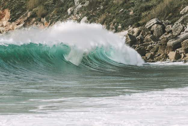 Australian windsurfs 13 metre wave in Portugal