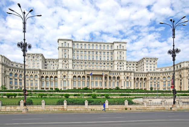 Romania offers virtual tours of world's second-largest building