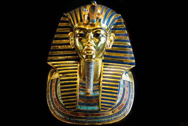Tutankhamun back on display in Egypt after beard fell off
