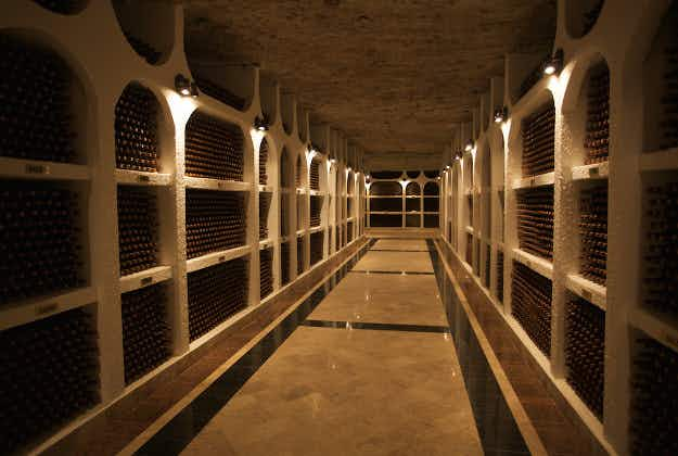 Moldova hosts 10km race in underground wine cellar