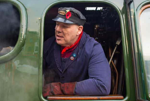Restored Flying Scotsman sets off from London to York