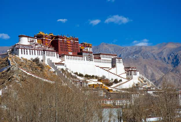 Tibet closed to foreign visitors until April