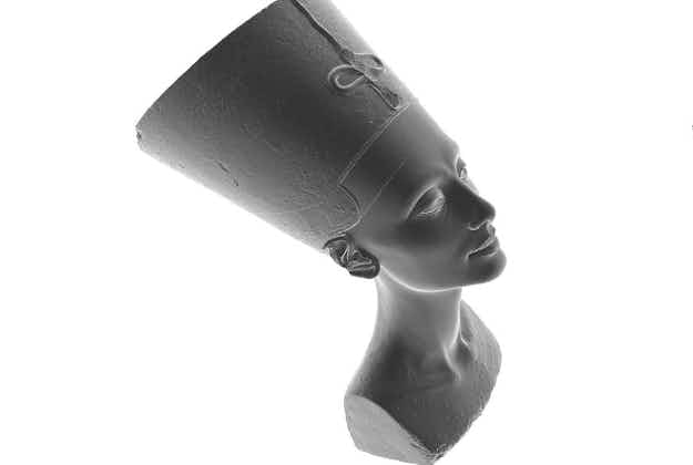 Artists 3D scan Nefertiti's bust and release it online